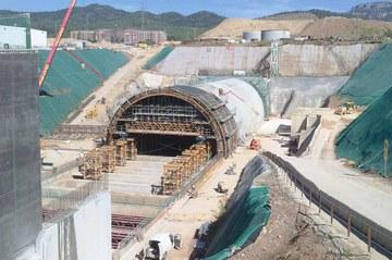 Falso Túnel Prolongación de los Ferrocarriles, Terrassa, España