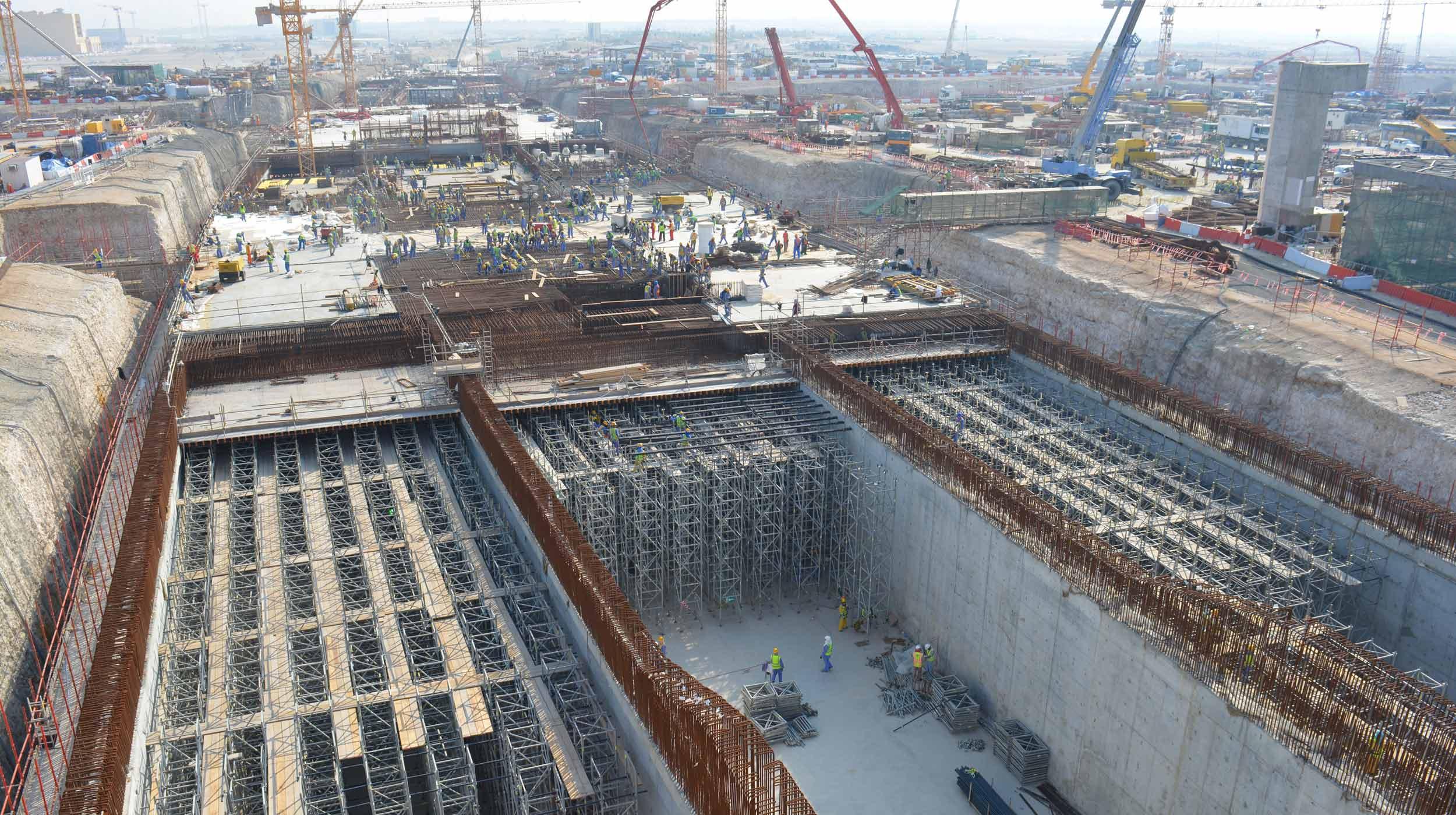 El proyecto consiste en la construcción de un túnel a cielo abierto, así como las instalaciones y servicios en la vía A3.