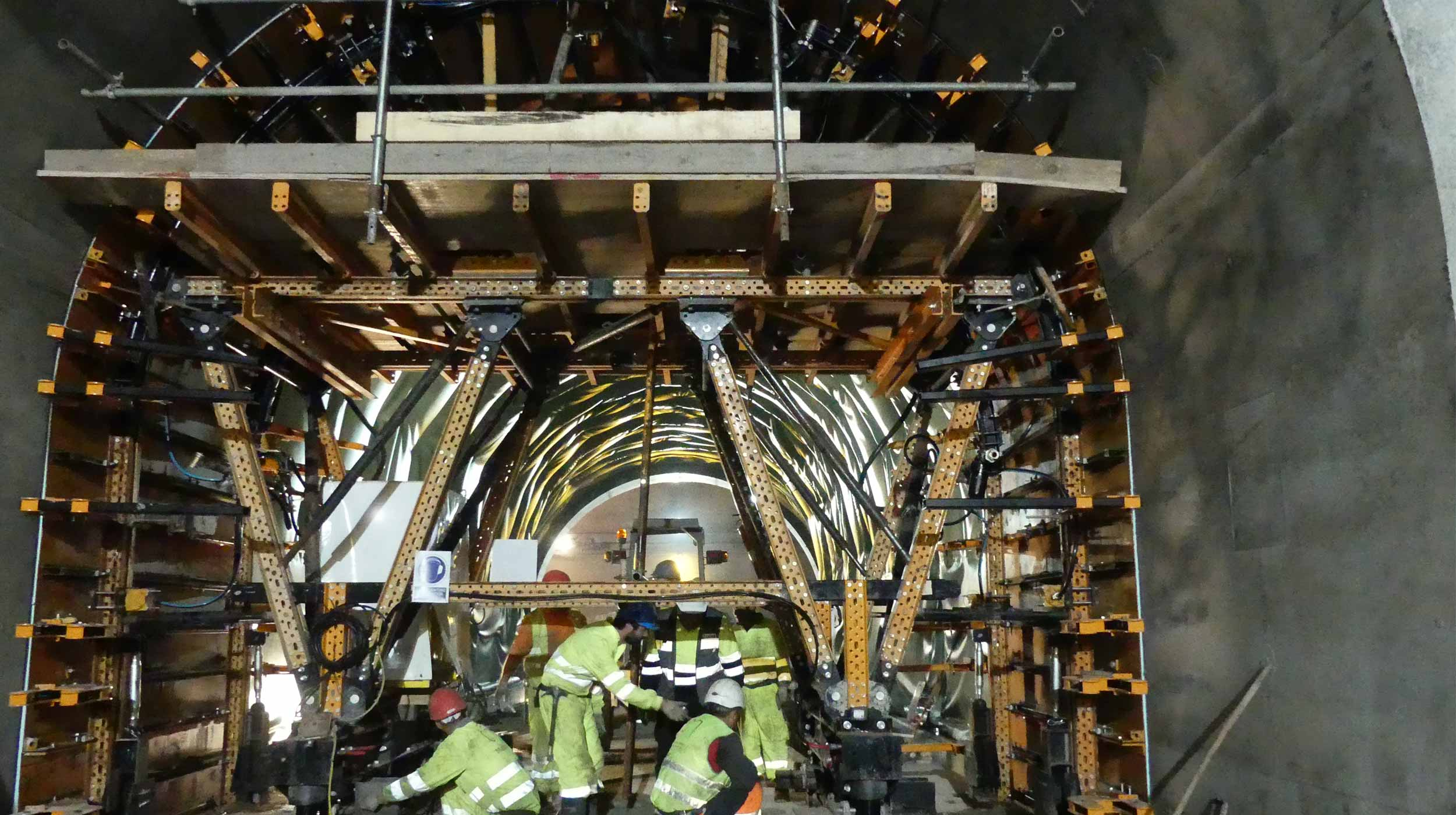 Esta obra se sitúa dentro de la ejecución de los túneles de Zumarraga-Antzuola de la obra de la línea de Alta Velocidad de la Y griega vasca.